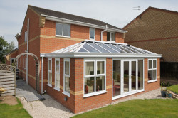 Double-Hipped-style Conservatory